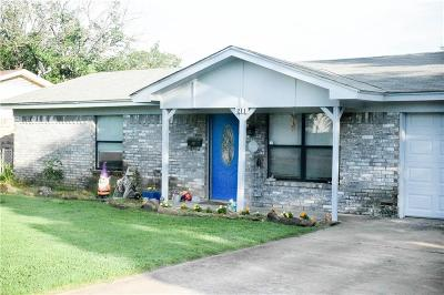 Weatherford Single Family Home For Sale: 211 W 3rd Street