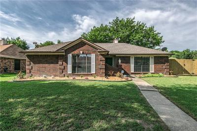 Rowlett Single Family Home For Sale: 2202 Brookside Drive