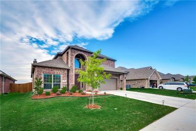 Burleson Single Family Home For Sale: 629 Peach Lane