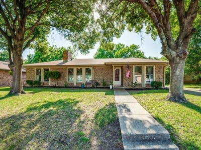 Benbrook Single Family Home Active Option Contract: 217 Kenshire Drive