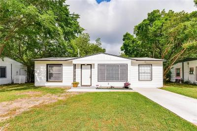 Grand Prairie Single Family Home For Sale: 946 Highland Drive
