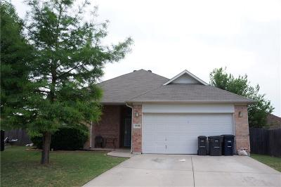 Fort Worth Single Family Home For Sale: 9328 Rhoni Court