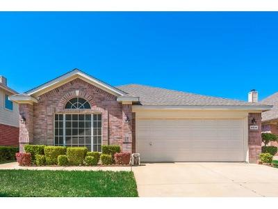 Fort Worth Single Family Home For Sale: 4504 Stepping Stone Drive