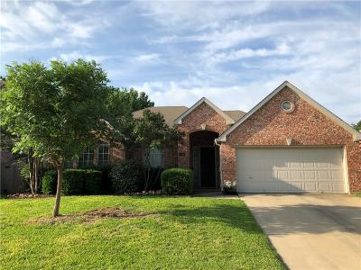 Grapevine Single Family Home For Sale: 2109 Idlewood Drive