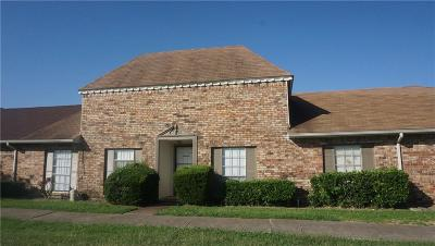 Grand Prairie Townhouse Active Option Contract: 19 W Mountain Creek Drive