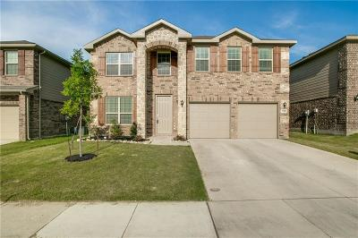 Fort Worth Single Family Home For Sale: 7708 Captain Lane