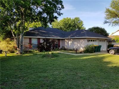 Lewisville Single Family Home For Sale: 1845 Juniper Lane