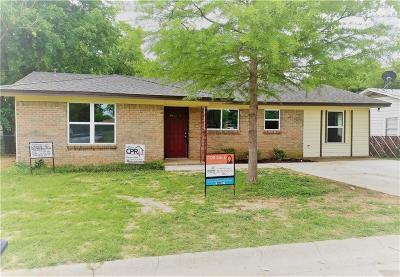 Cleburne Single Family Home For Sale: 537 Phillips Street