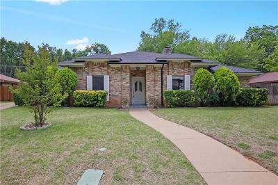 Arlington Single Family Home For Sale: 404 Rivervalley Court