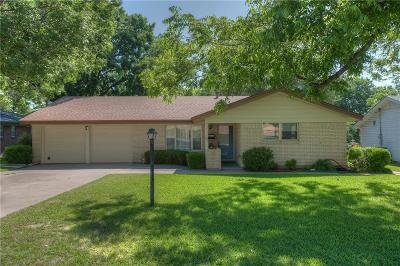 Fort Worth Single Family Home For Sale: 3705 Cimmaron Trail