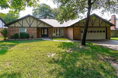 Arlington Single Family Home For Sale: 2703 English Chase Court