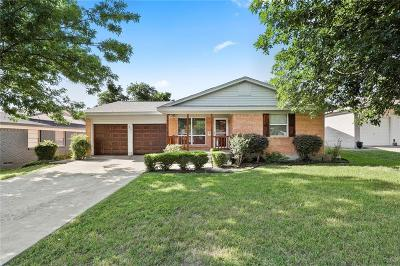 Dallas Single Family Home For Sale: 8915 Clearwater Drive