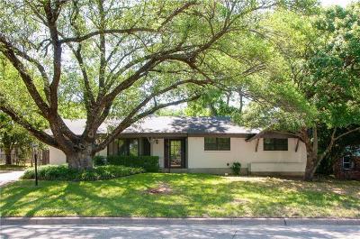 Benbrook Single Family Home For Sale: 3833 Marys Creek Drive