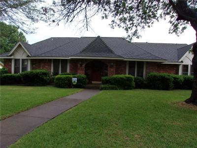 Duncanville Single Family Home For Sale: 910 Clint Smith Drive