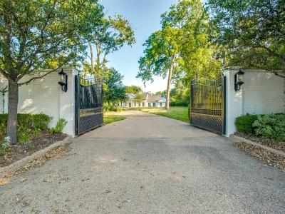 Dallas Single Family Home For Sale: 4944 Royal Lane