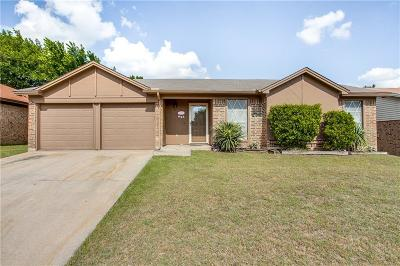Saginaw Single Family Home For Sale: 609 Lottie Lane