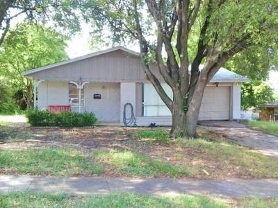 Fort Worth Single Family Home For Sale: 6409 Johns Way