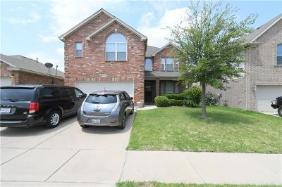 Fort Worth Single Family Home For Sale: 5865 Pearl Oyster Lane