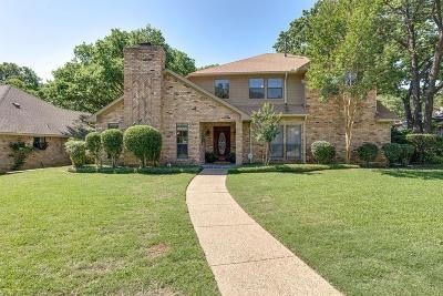 Grapevine Single Family Home For Sale: 3049 Creekbend Circle