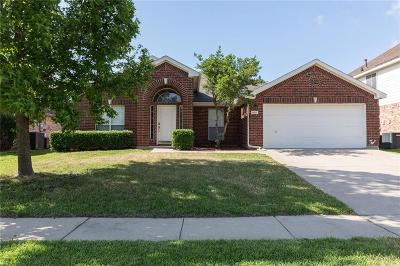 Grand Prairie Single Family Home For Sale: 607 Teresa Lane