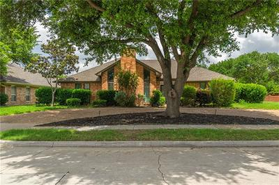 Plano Single Family Home For Sale: 2201 Chamberlain Drive