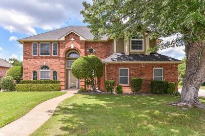 Tarrant County Single Family Home For Sale: 7501 Lands End Drive