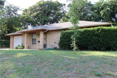 Azle Single Family Home For Sale: 7110 Allyn Drive