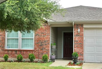 Cross Roads Single Family Home For Sale: 8817 King Ranch Drive