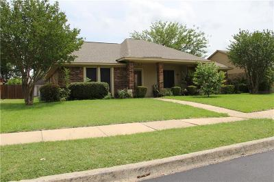 Garland Single Family Home For Sale: 2418 Neal Drive