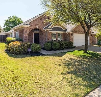 Fort Worth Single Family Home For Sale: 10516 Melrose Lane