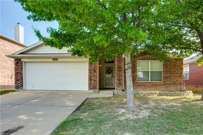 Fort Worth Single Family Home For Sale: 1737 White Feather Lane