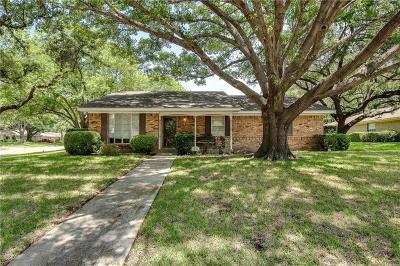 Grand Prairie Single Family Home For Sale: 1810 Hampshire Street