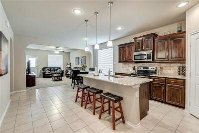 Fort Worth Single Family Home For Sale: 13833 Langston Lake Drive