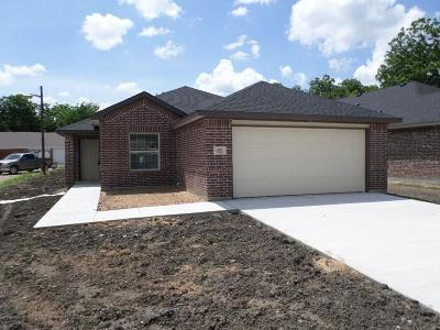 Grand Prairie Single Family Home For Sale: 405 13th Street