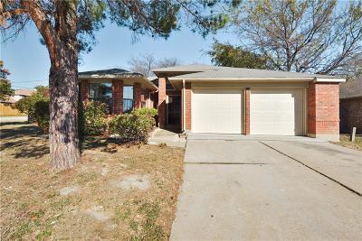 Arlington Single Family Home For Sale: 915 W Lynn Creek Drive