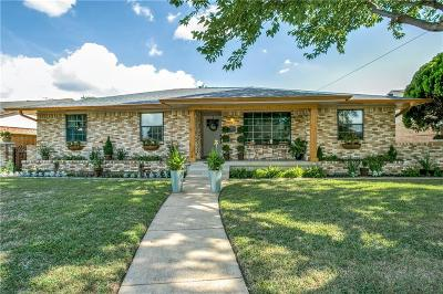 Dallas Single Family Home For Sale: 1540 Brook Valley Lane