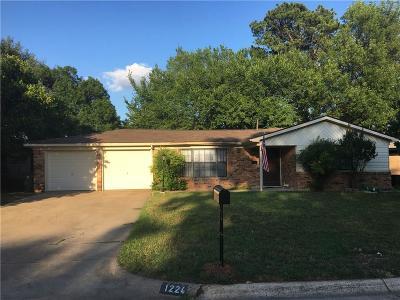 Hurst Single Family Home For Sale: 1224 Valentine Street
