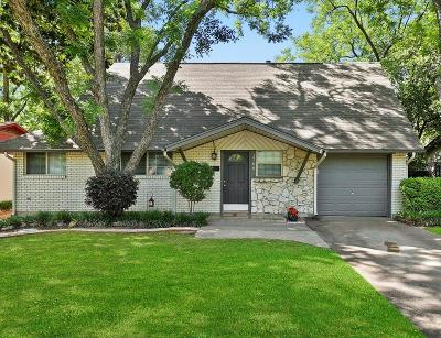 Arlington Single Family Home For Sale: 1706 Foster Drive