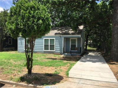 Haltom City Single Family Home For Sale: 1903 Oakwood Street