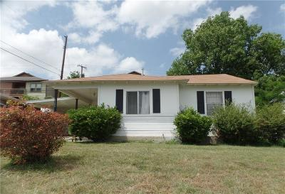 Fort Worth Single Family Home For Sale: 5800 Manhattan Drive