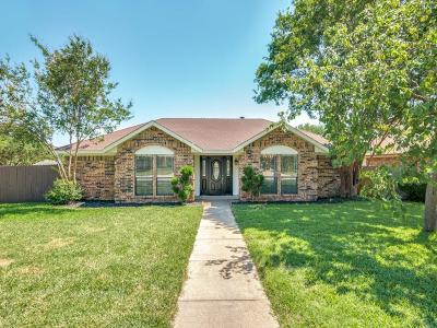 Grapevine Single Family Home For Sale: 2923 Chris Lane