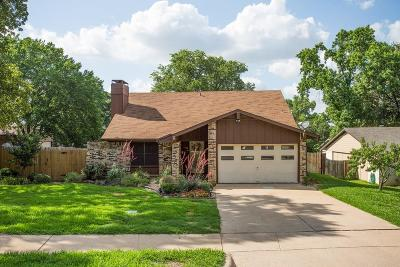 Euless Single Family Home For Sale: 408 Shelmar Drive