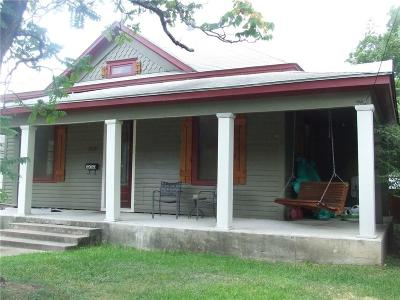 Ennis Single Family Home Active Option Contract: 308 W Gilmer Street