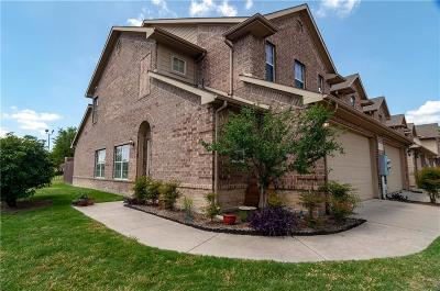 Lewisville Townhouse For Sale: 110 Barrington Lane