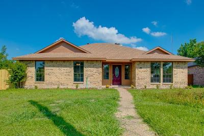 Garland Single Family Home For Sale: 7102 Lyons Road