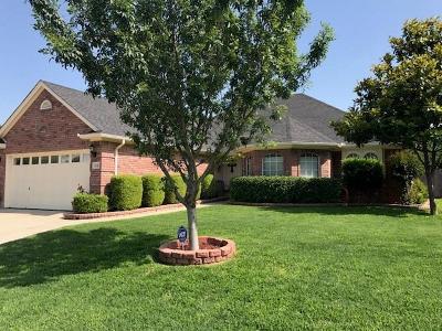 Saginaw Single Family Home For Sale: 1049 Springwood Drive