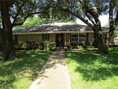 Grand Prairie Single Family Home For Sale: 1801 Surrey Circle