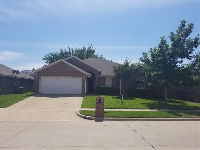 Arlington Single Family Home For Sale: 8006 McMurtry Drive