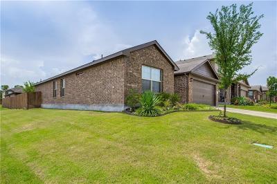 Azle Single Family Home For Sale: 661 River Rock Drive