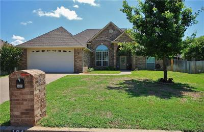 Lindale Single Family Home For Sale: 104 Charles Drive